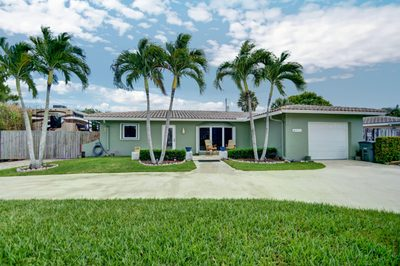 960 SW 13th Place 1