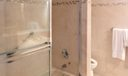 418 Brackenwood bath tub