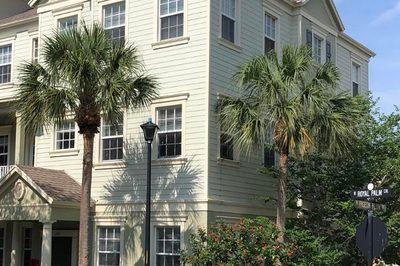122 W Royal Palm Circle #104 1