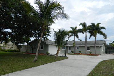 4796 SE Manatee Terrace 1