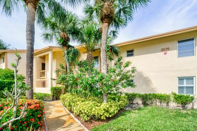 5675 Spindle Palm Court #B 1