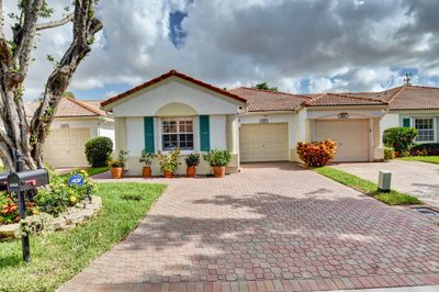 6105 Heliconia Road 1