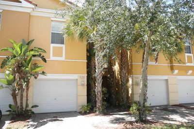 938 Pipers Cay Drive 1