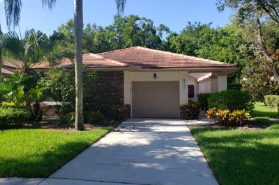 4684 Boxwood Circle 1