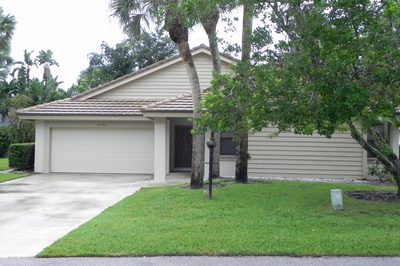 5752 Forestwood Court 1