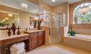 Jacuzzi Tub & Walk in Shower