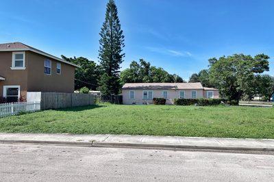 610 Latona Ave Avenue 1