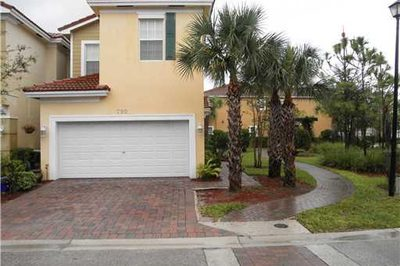 790 Pipers Cay Drive 1