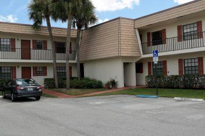 4686 Oak Terrace Drive 1