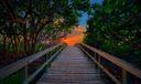 Boardwalk-to-Beach-at-Jupiter-Inlet-Park