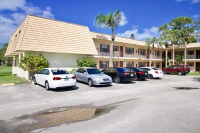 4235 Oak Terrace Drive 1