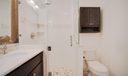 Bedroom 1 en suite bath