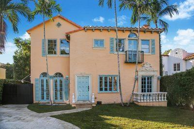 218 Everglade Avenue 1