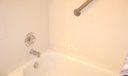 shower.tub guest bth