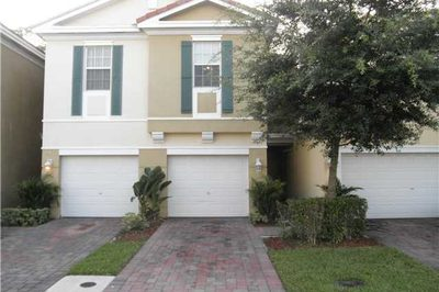 815 Pipers Cay Drive 1