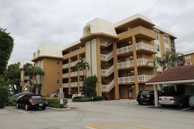 304 Golfview Road #404 1
