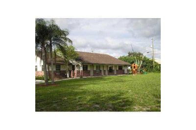 5600 NW 76th Place 1