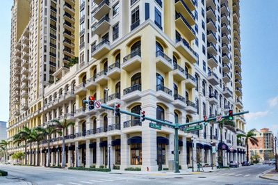 701 S Olive Avenue #206 1