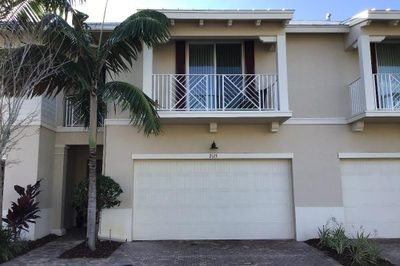 2115 Wells Place 1