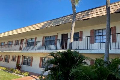 4207 Oak Terrace Drive 1