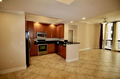 701 S Olive Avenue #905 1