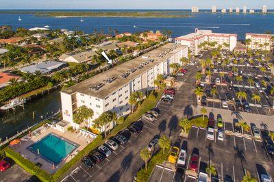 109 Paradise Harbour Boulevard #512 1