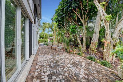 301 Venetian Drive #11 1