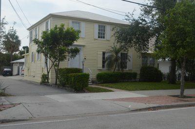904 N Olive Avenue 1