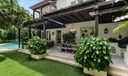 46_Covered Patio+Green Space_web