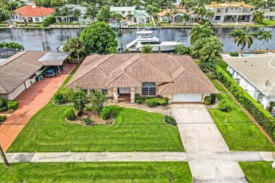 887 Country Club Drive 1