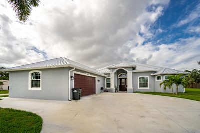 1093 SW Bay State Road 1