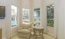 14_master-bedroom-sitting-area_13770 Par