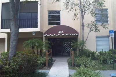 490 NW 20th Street #302 1