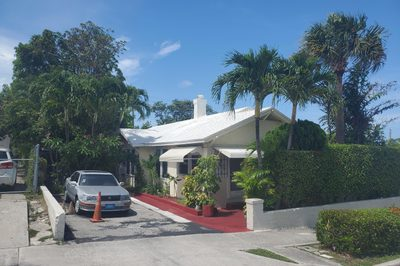 705 Palm Beach Lakes Boulevard 1