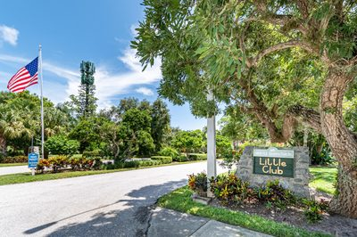 18081 SE Country Club Drive #27-269 1