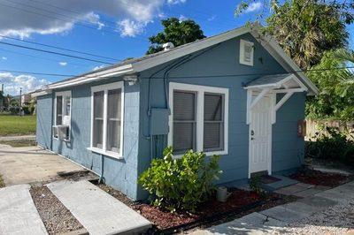 23 1/2 Ocean Breeze Street #Rear-Cottage 23 1/2 1