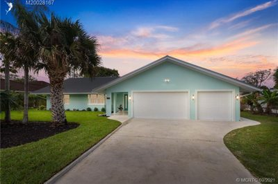 4856 SE Manatee Cove Road 1