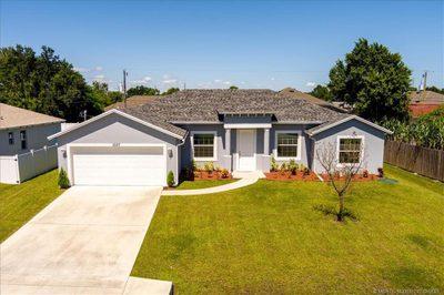 1037 SW Whittier Terrace 1
