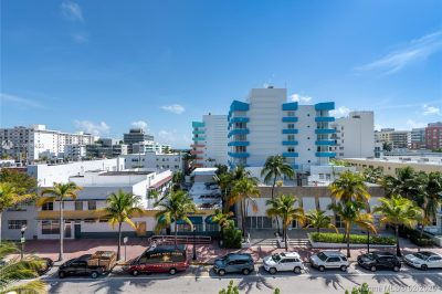 240 Collins Ave #6B 1