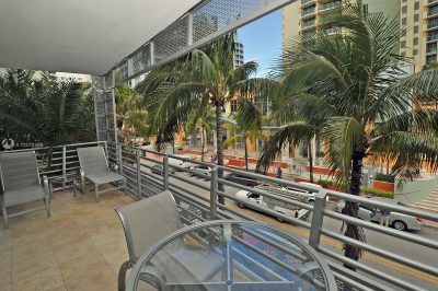 1437 Collins Ave #211 1