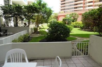 5161 Collins Ave #210 1