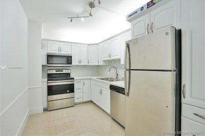20100 W Country Club Dr #504 1