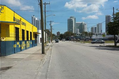 60 NW 20th St 1