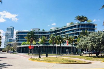 1 Collins Ave #605 1