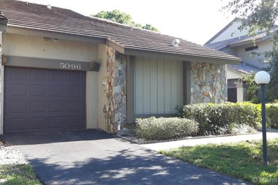 Spacious 2 bedroom, 2 bathroom with large vaulted ceiling kitchen.
