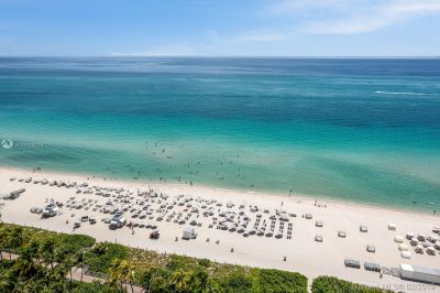 4391 Collins Ave #1910 1