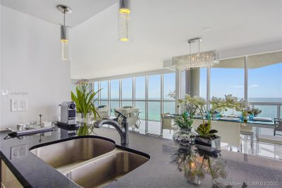 16425 Collins Ave #1111 1