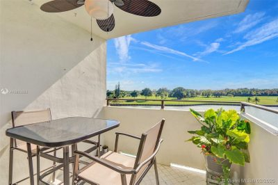 Private Balcony overlooking the water and idian creek Golf course