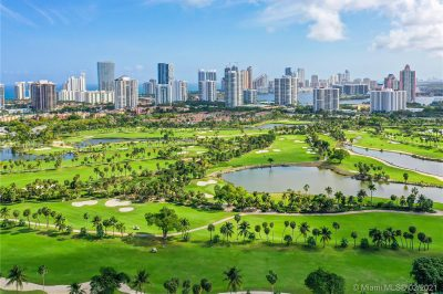 TURNBERRY ISLE COUNTRY & GOLF CLUB