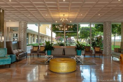 4747 Collins Ave #1513 1